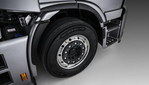 Nová zadní náprava a EKO pneumatiky